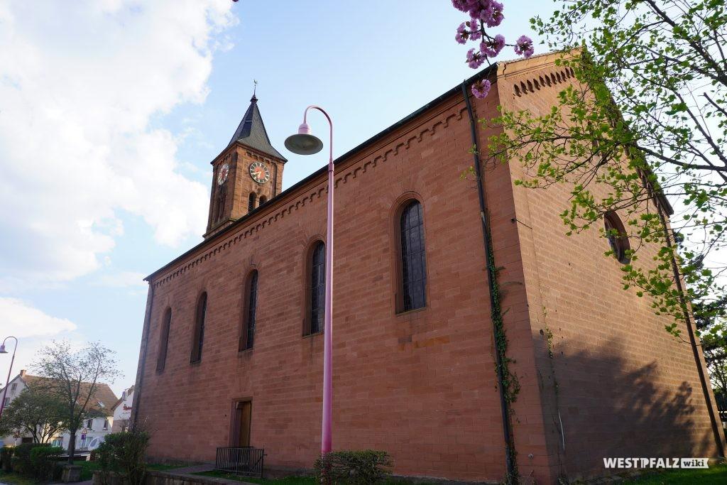 Seitenschiff der protestantischen Kirche in Steinwenden