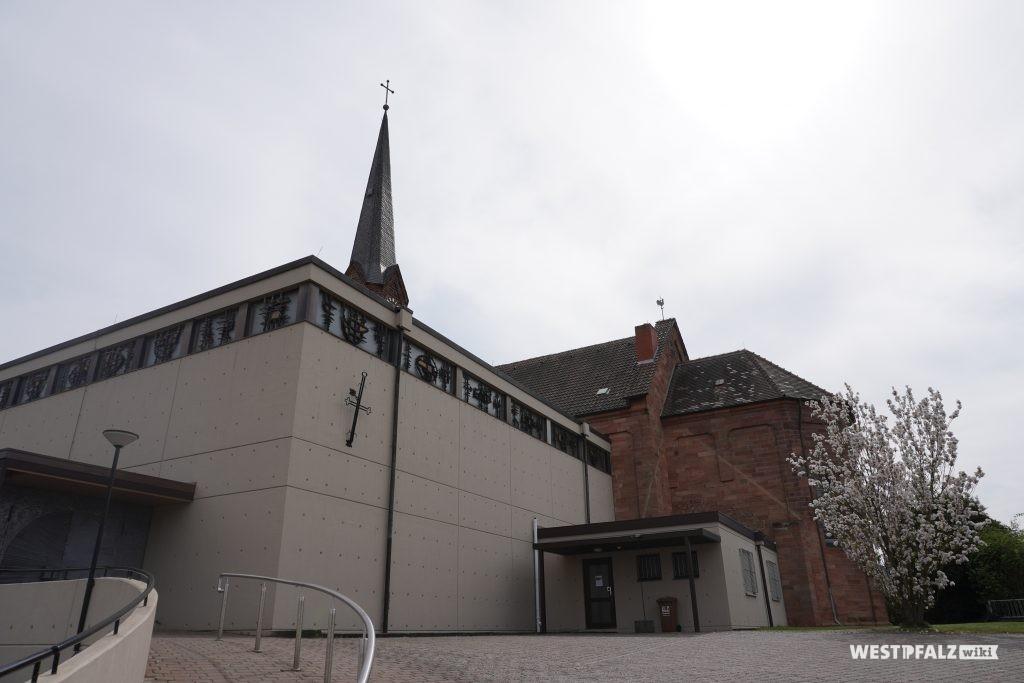 Anbau der katholischen Kirche in Bruchmühlbach
