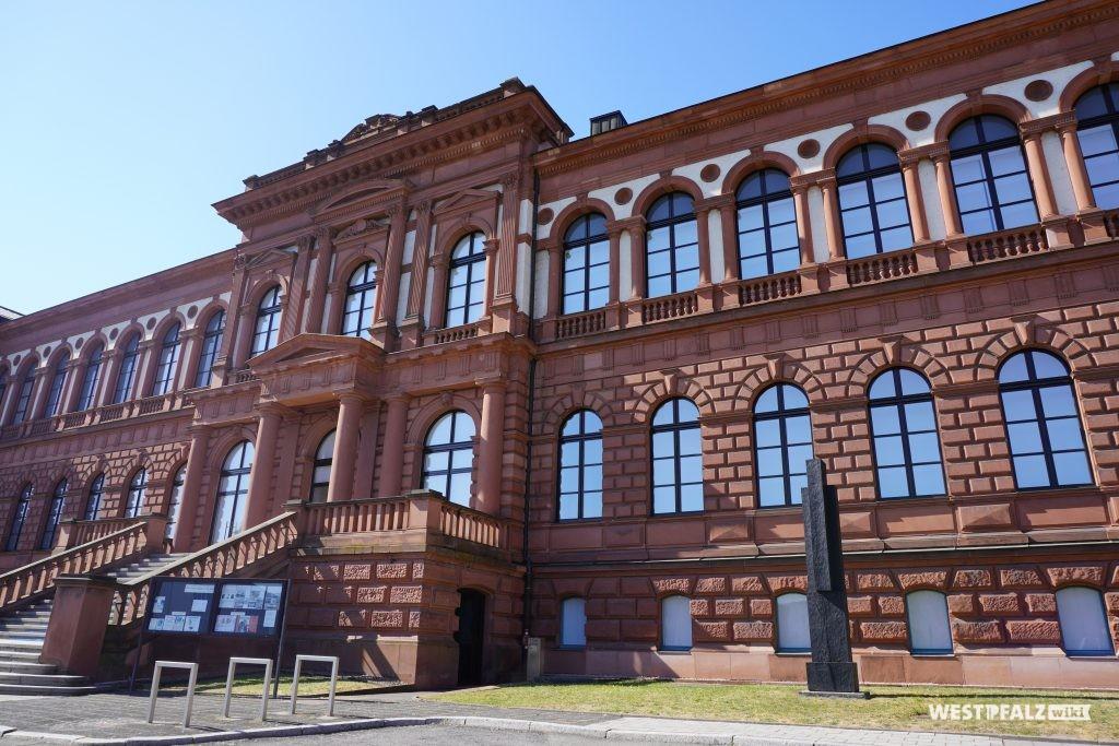 Eingang der Pfalzgalerie in Kaiserslautern