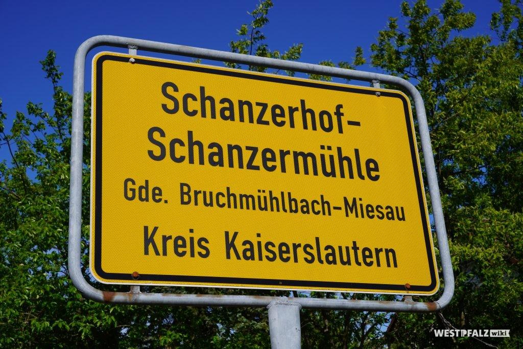 Ortsschild Schanzerhof-Schanzermühle