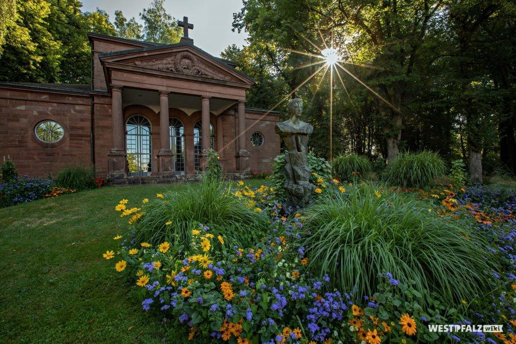 Carolinensaal auf dem Alten Friedhof in Pirmasens