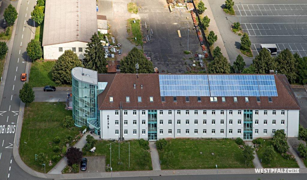 Umgewandeltes Kasernengebäude in ein Bürogebäude für Existenzgründer