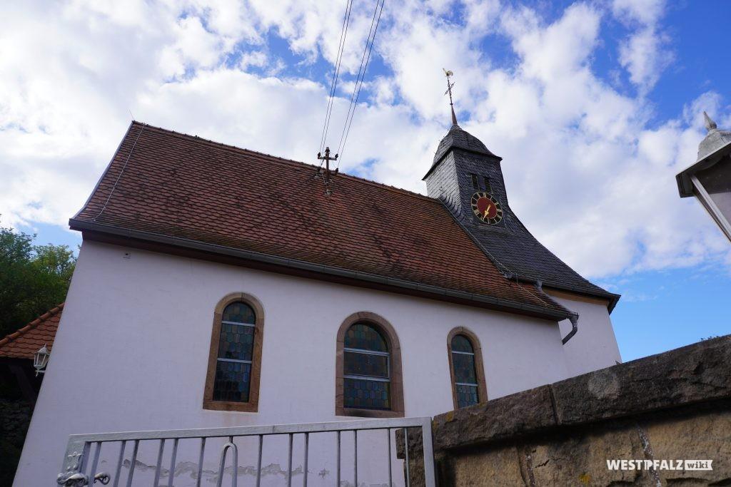 Seitenansicht der protestantischen Kirche in Kollweiler