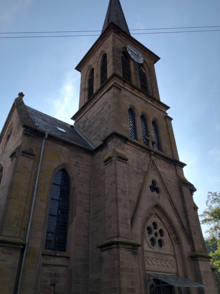 Kirchturm der protestantischen Kirche in Heimkirchen
