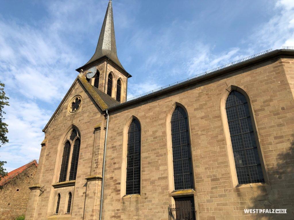 Seitenansicht der protestantischen Kirche in Heimkirchen
