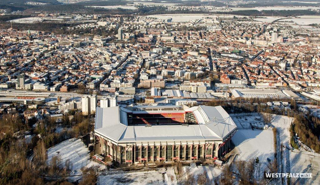 Fritz-Walter-Stadion im Winter