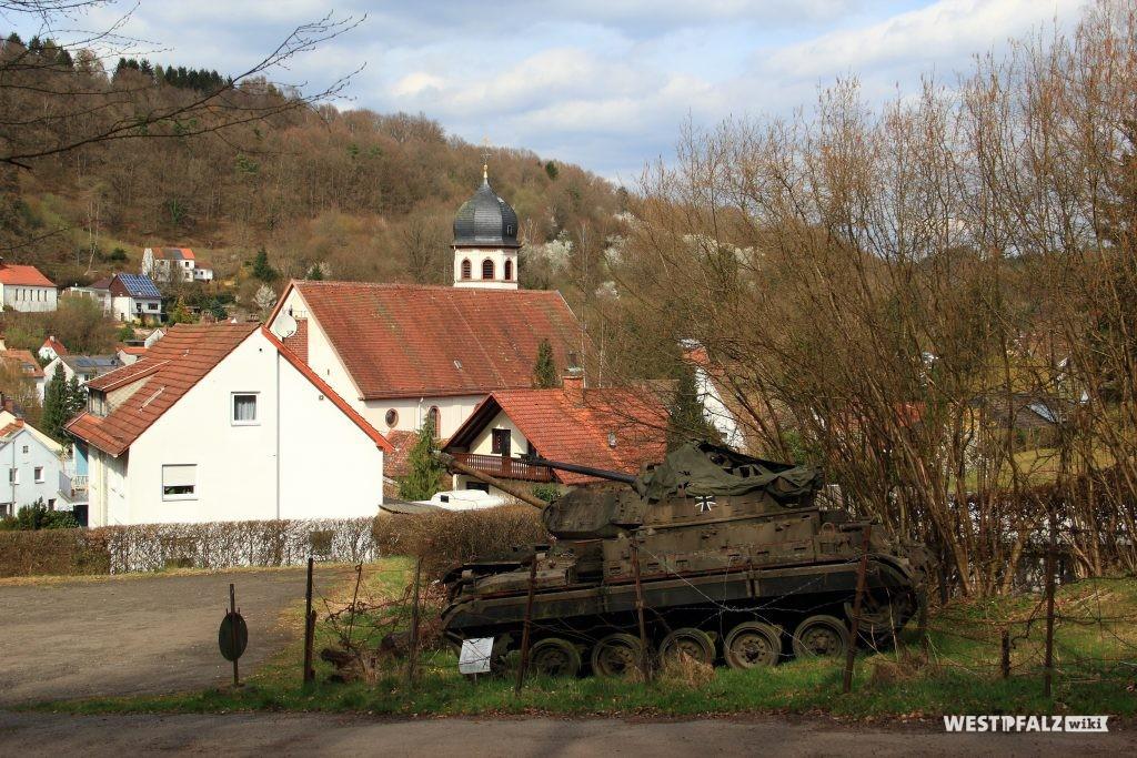 Panzer am Westwallmuseum in Niedersimten