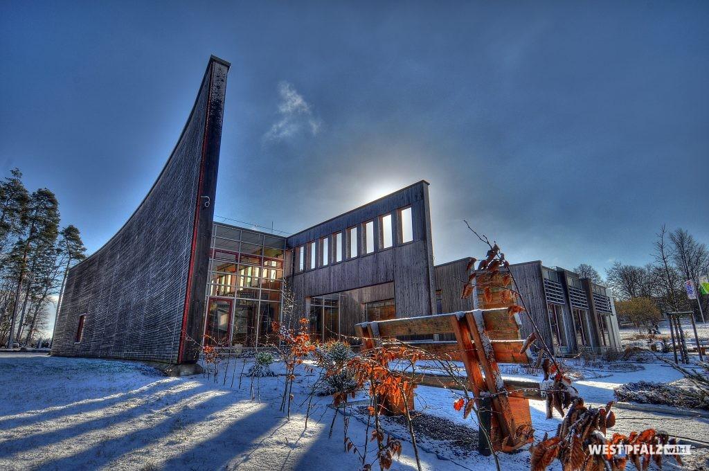 Haus der Nachhaltigkeit im Winter