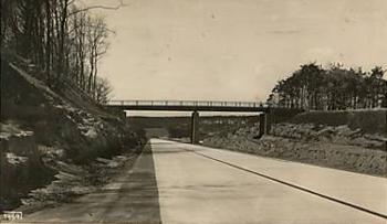 Die ehemalige Reichautobahn am Caesarpark in den 1930er Jahren