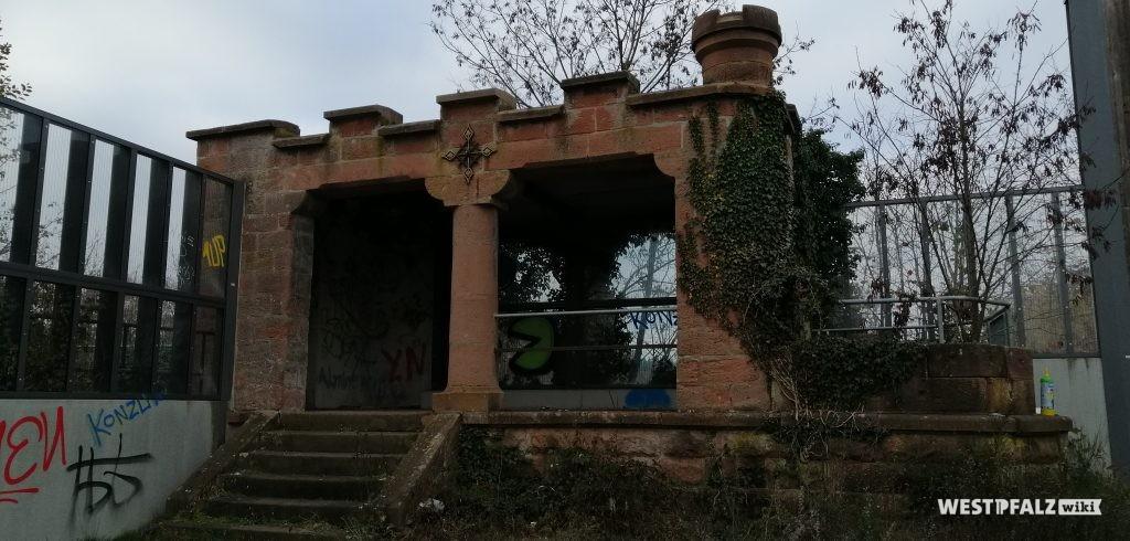 Reste des Pavillon des Caesarparks